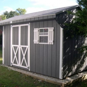 8x12 Quaker With Painted T1-11 Siding