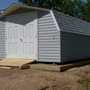 14x20 Mini Barn With Vinyl Siding